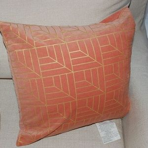 Like new accent pillow